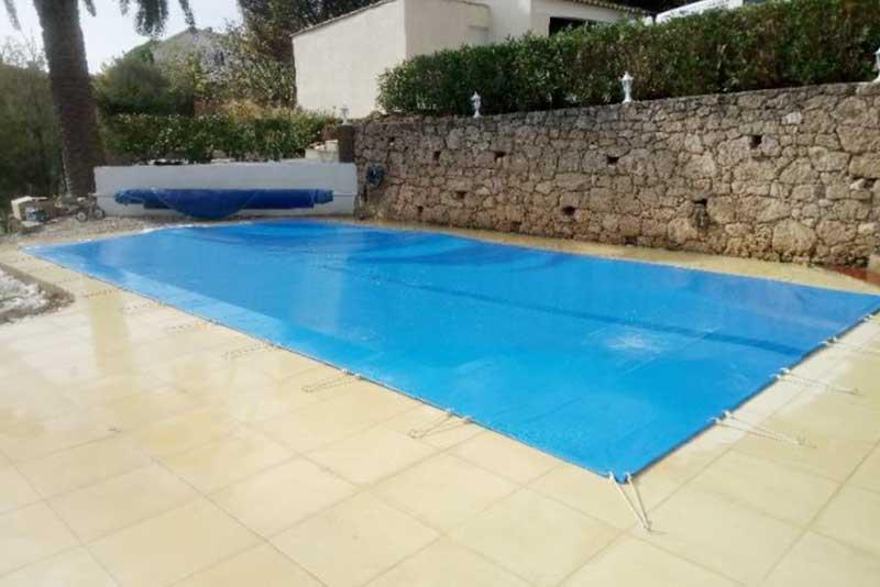 Bache de protection piscine elegant bche hiver intex de for Protection piscine
