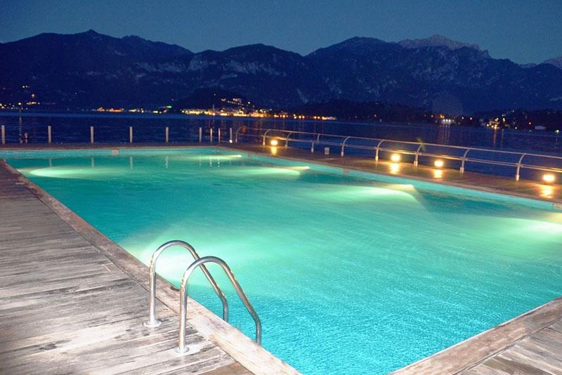 éclairage piscine - spécialiste piscine depuis plus de 30 ans à Sainte Maxime et le Plan de la Tour